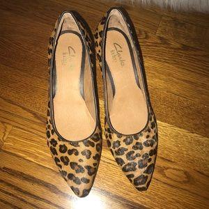 83e9dfcd2b18 Clarks Shoes - Clarks Indigo calf hair leopard pump heels 6.5 NWT